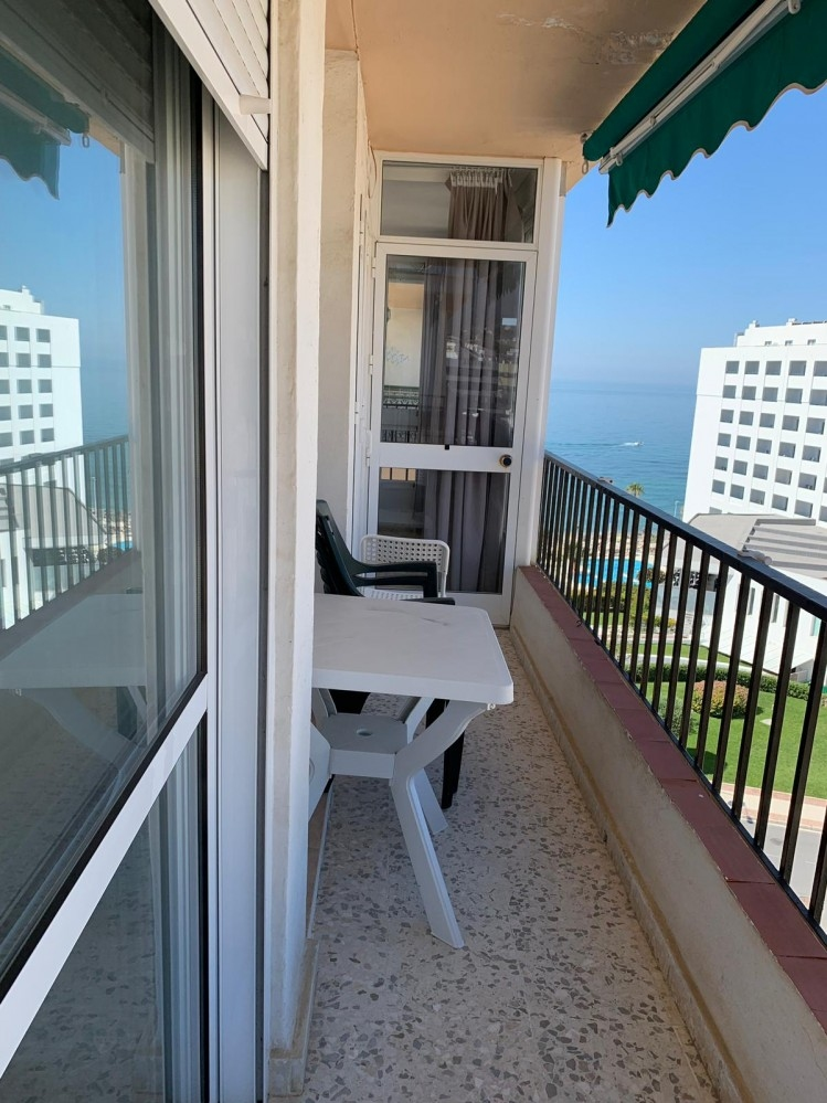 Apartment for sale 2 bedrooms swimming Pool 2a linea Torrecilla Beach